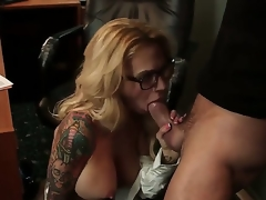 Stunning oral sex action with Alan Stafford and Sarah Jessie - it is what would make u turned on. Breasty tattooed woman with fantastic body is going to engulf previous to cunnilingus.