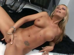 Turned on tanned blonde milf Vivian with jaw drooping hooters and perfectly shaped fit body acquires exposed fingers shaved juicy cunny to warm agonorgasmos in memorable solo act filmed in close up