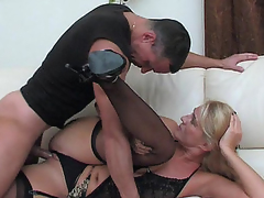 Dolled-up mommy makes her snatch willing for a rock-hard shaft of a hung chap